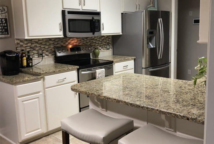 Balanced Beige SW 7037 kitchen with Creamy SW 7012 trim