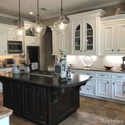 Balanced Beige Kitchen walls with Creamy Cabinets