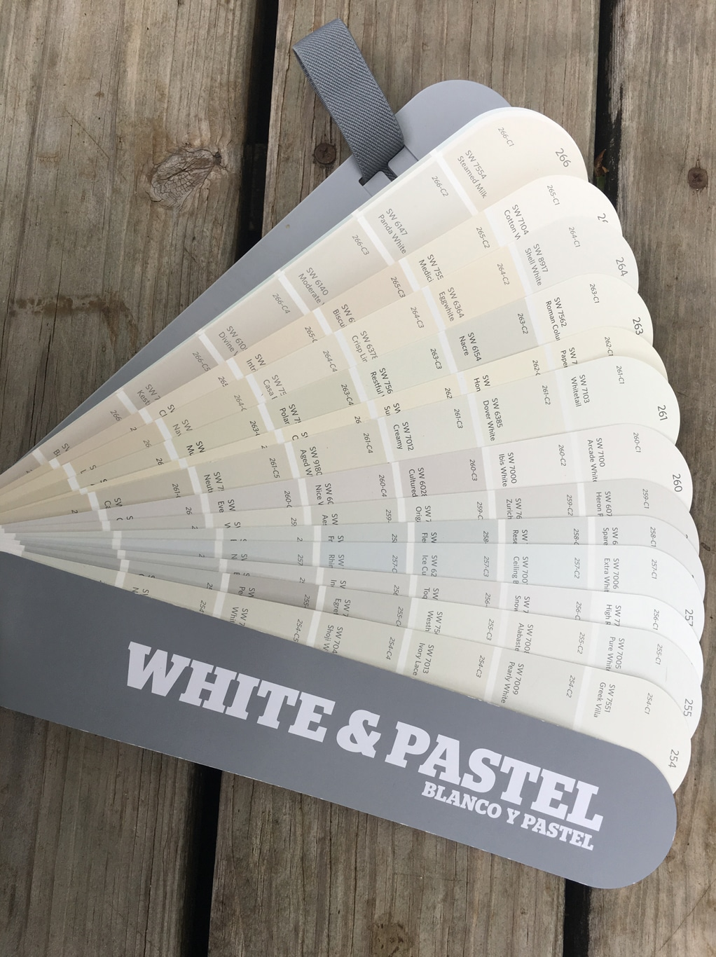 Sherwin-Williams Paint Deck White & Pastel