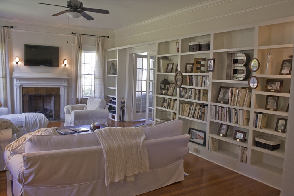 Dover White on living room walls for a monochromatic feel from Hooked on Houses